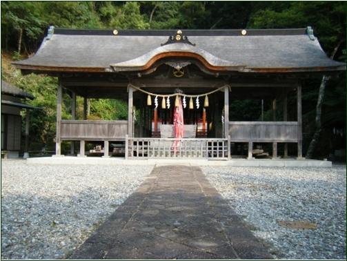 8-8 鳴無神社拝殿 20150306