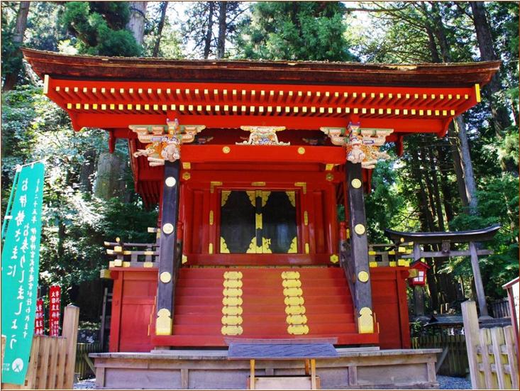 8-2-1 北口本宮冨士浅間神社西本殿-1 201505