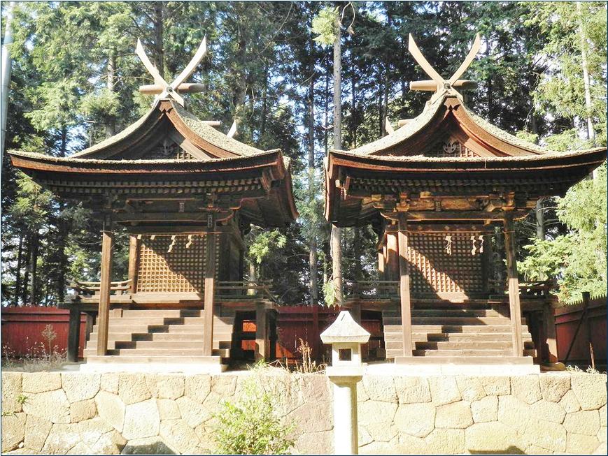 8-2-1 熊野神社本殿ー2 201505