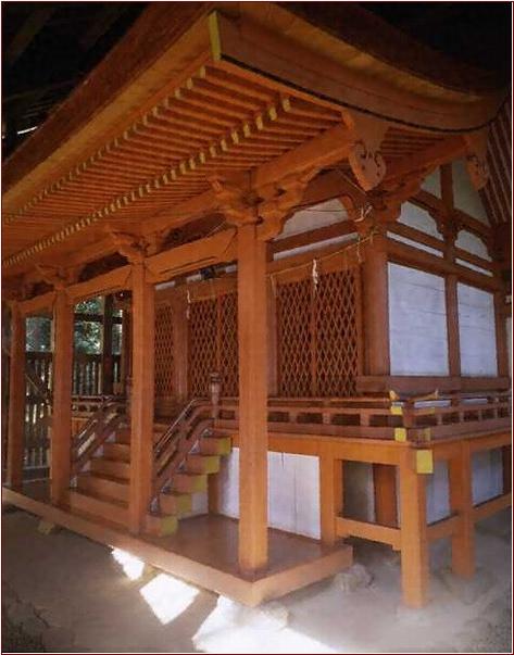 8-2-5 春日神社本殿