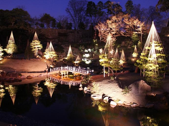 金沢城公園玉泉院丸庭園のライトアップ