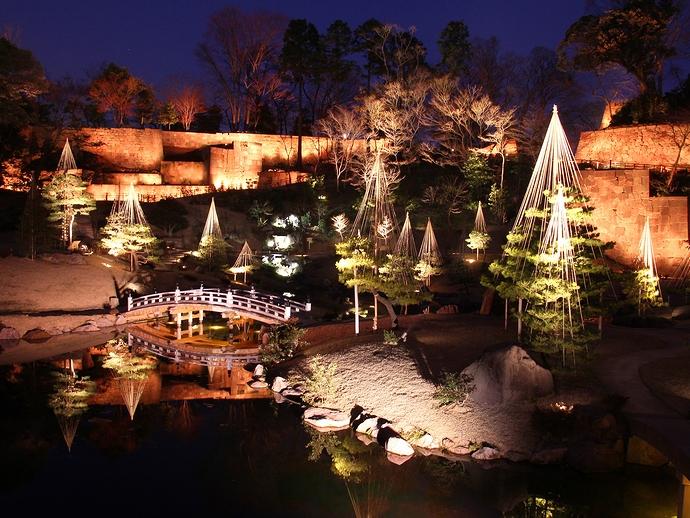 玉泉院丸庭園ライトアップ「三つの灯り・夕焼けの庭」