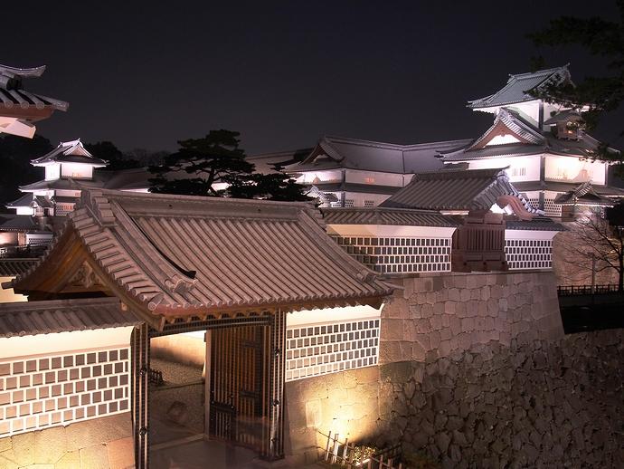 河北門から見た金沢城の建造物群