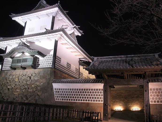 金沢城石川門のライトアップ