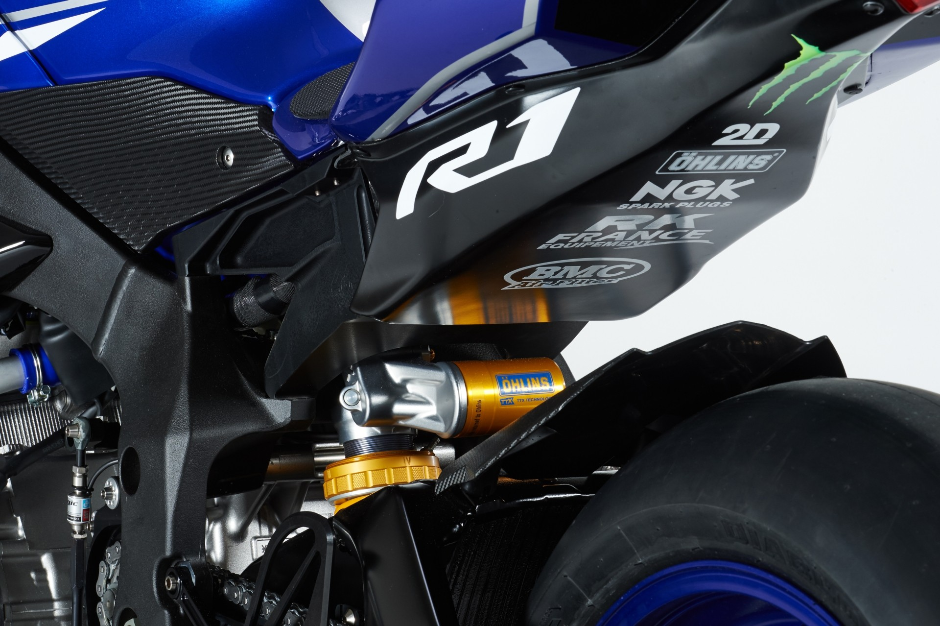 20150310_yamaha-yzf-r1-endurance-world-championship-edition-shows-up-photo-gallery_13.jpg