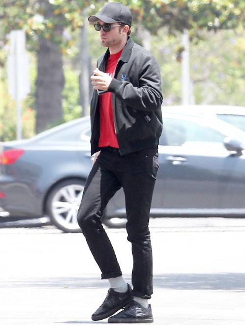 ロバート・パティンソン(Robert Pattinson):ラフシモンズ×フレッドペリー(Raf Simons x Fred Perry)バレンシアガ(Balenciaga)