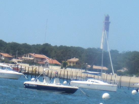 大きな灯台が見えた