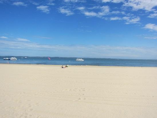 アルカッションの白い砂浜