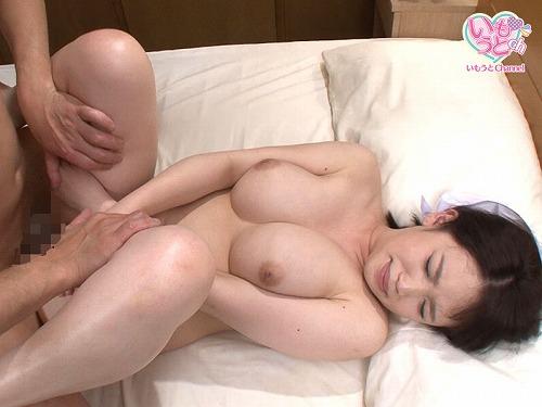 七瀬みなみGカップ美巨乳おっぱい画像b10