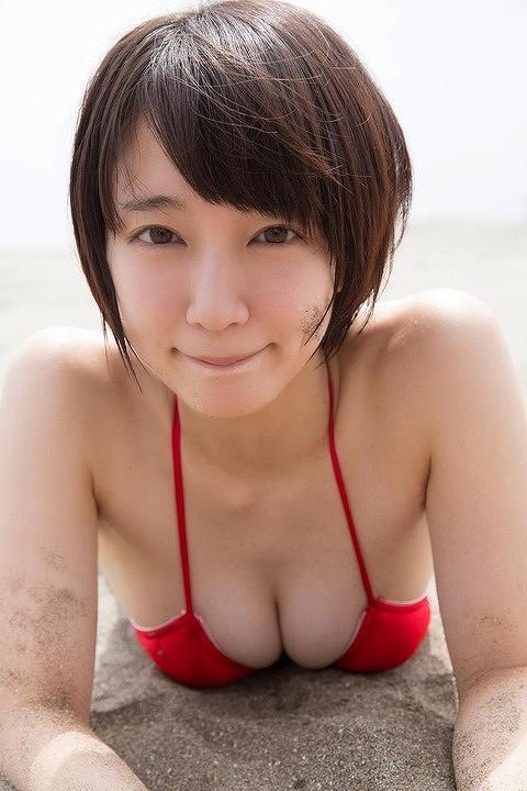 吉岡里帆水着おっぱい画像b33