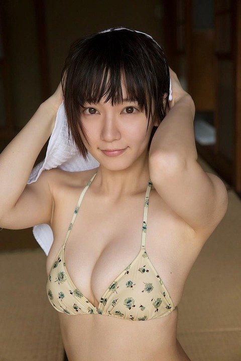 吉岡里帆グラビアおっぱい画像b36