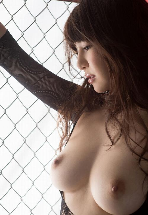 葵Hカップ美巨乳おっぱい画像b44