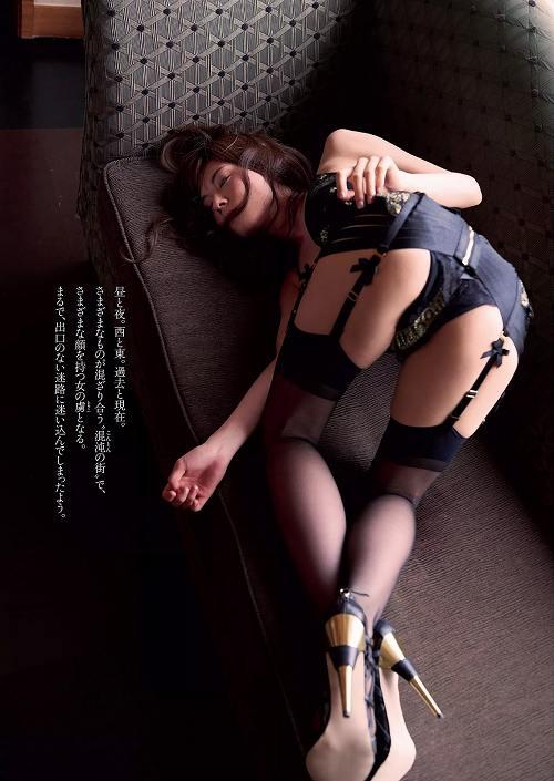 松川佑依子巨乳グラビアおっぱい画像b20