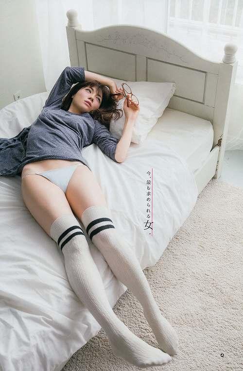 松川佑依子巨乳グラビアおっぱい画像b32