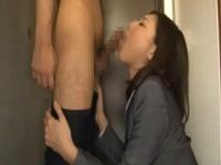 先輩OLのフェラ調教?ねちっこい舌舐め首を小刻みに動かし口内射精