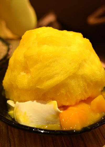 【アイス】アイスモンスター「マンゴーかき氷ー芒果綿花甜」02