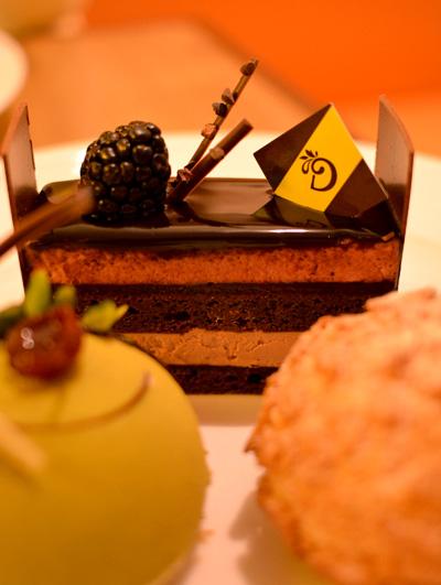 【ケーキ】デリーモ「カシスショコラ」02