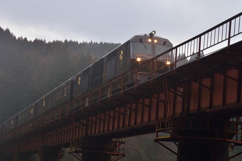 七つ星列車 (4)