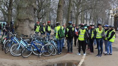 自転車ツアー客