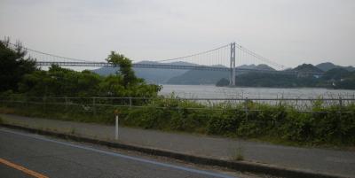 因島大橋を向島から眺める