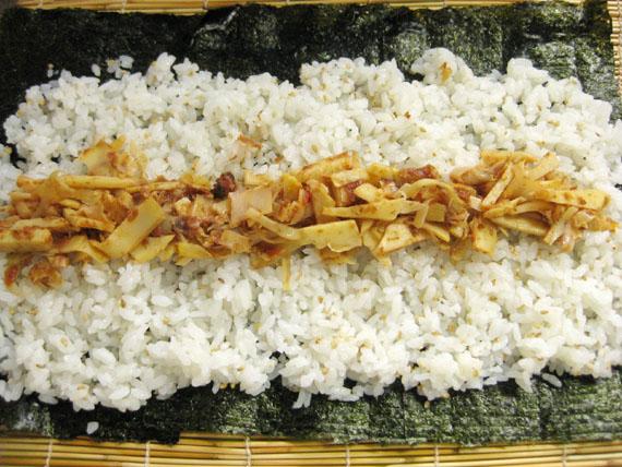 タケノコと梅の巻き寿司06