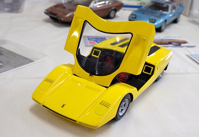 3827 フェラーリ 640×430