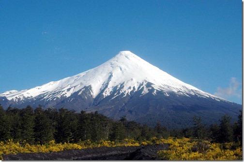 【エロ画像・世界の快道でイク!】【チリ編】レオノア・ヴァレラのセクシー画像。2つの『さけ』が有名な遠くて近い国オソルノ山2660m