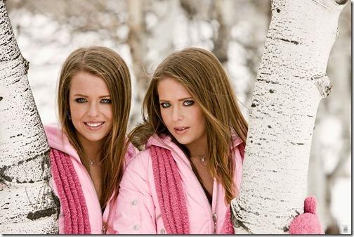 05【エロ画像・世界の快道でイク!特別編】鏡の国に迷い込んだかに思える双子姉妹のポルノ女優Campbell Twins01