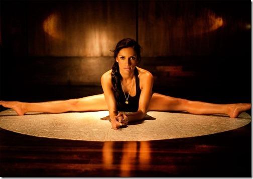 【エロ画像・世界の快道でイク!】【チリ編】レオノア・ヴァレラのセクシー画像。2つの『さけ』が有名な遠くて近い国Leonor Varela02