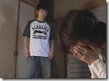 【近親相姦エロ動画:母子】不倫がバレて夫に逃げられた人妻、今度は大きく成長した息子にチンポに狂う01