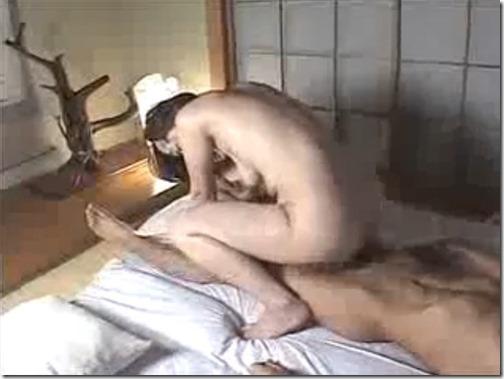 【夫婦生活夫婦の秘めごとエロ動画】長続きする夫婦生活は妻のセルフサービス!?