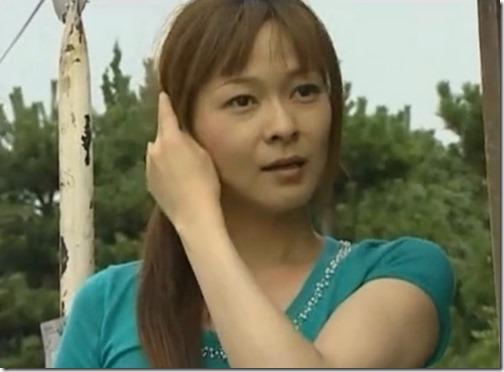 【夫婦生活妻の秘めごとエロ動画】夫が野球観戦している隙に、妻は不倫相手と野外で青姦。『青姦サイコー♪』13