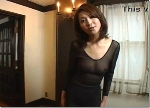 【夫婦生活妻の秘めごとエロ動画】シースルーやレオタードで男を誘う人妻
