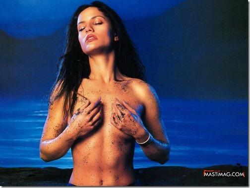【エロ画像・世界の快道でイク!】【チリ編】レオノア・ヴァレラのセクシー画像。2つの『さけ』が有名な遠くて近い国