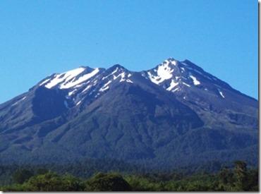 【エロ画像・世界の快道でイク!】【チリ編】レオノア・ヴァレラのセクシー画像。2つの『さけ』が有名な遠くて近い国01カルブコ火山