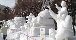 小さい雪像群