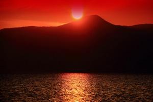 支笏湖の夕陽
