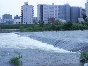 雪解け豊平川