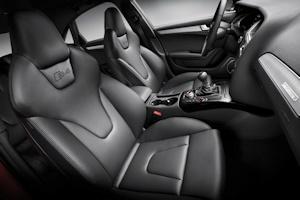 Audiのシート