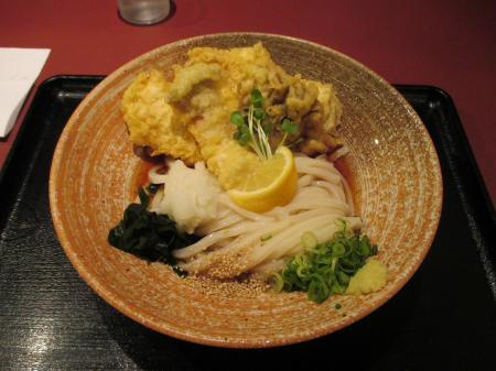 鶏野菜天うどんの天ぷら多いほう