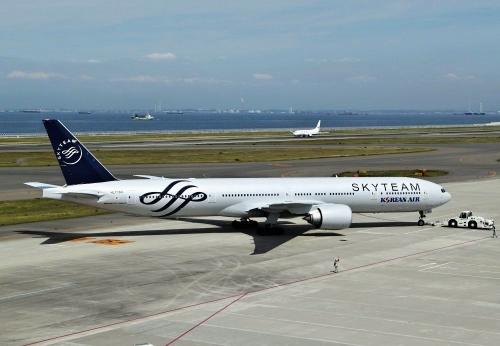 大韓航空 777-300 スカイチーム塗装 1