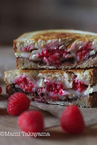 brieraspberrygrilledcheese2.jpeg