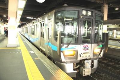 あいの風とやま521系金沢駅にて