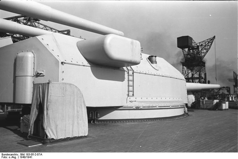 Bundesarchiv_Bild_193-05-2-07A,_Schlachtschiff_Bismarck