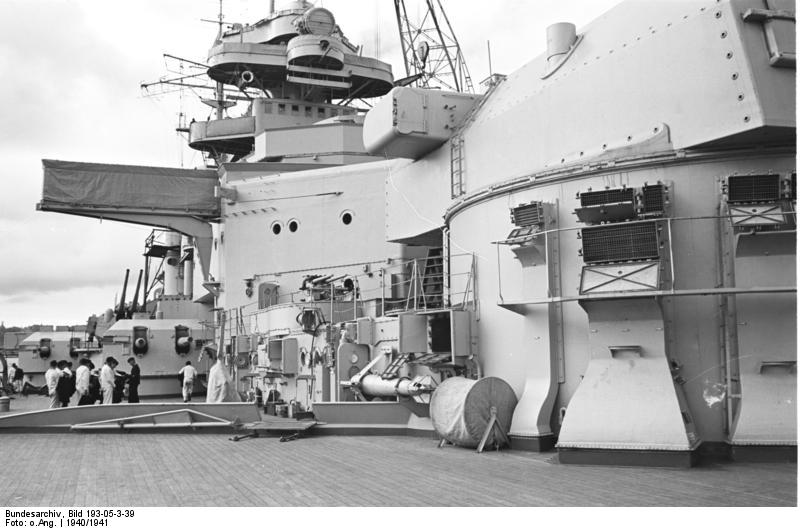 Bundesarchiv_Bild_193-05-3-39,_Schlachtschiff_Bismarck