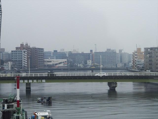 車窓から見た鶴見川
