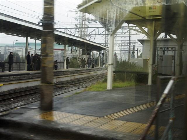 浅野駅のプラットフォーム