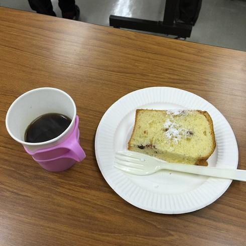 珈琲とクランベリーのシホンケーキ