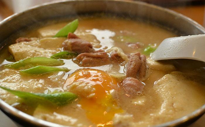 1302ホルモン鍋