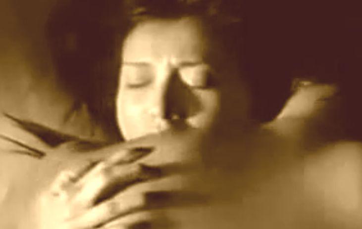 【藤原紀香】妖艶な表情を浮かべる濡れ場